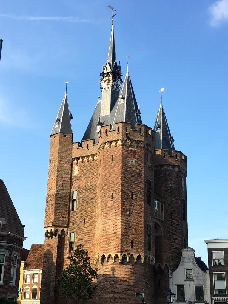 Sassenpoort: Built in 1409.